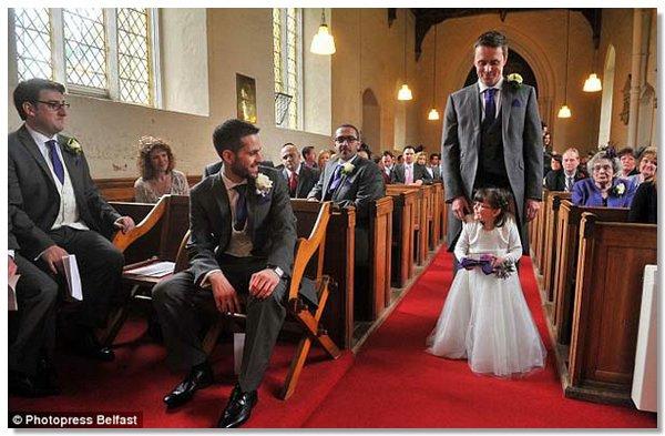 flower girl3 4 летняя парализованная девочка смогла проводить невесту к алтарю