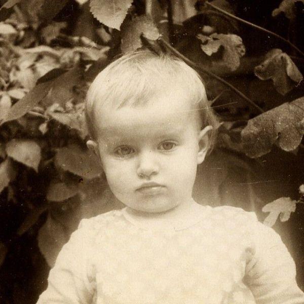 childcelebs20 Эстафета детских снимков: как звезды выглядели в юном возрасте